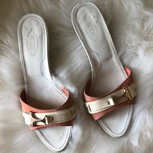 TOD'S White and Coral Kitten Heels